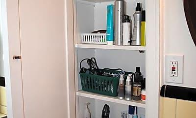 Bathroom, 2860 Observatory Ave, 2