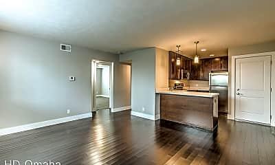 Kitchen, 124 North 31 Avenue, 2