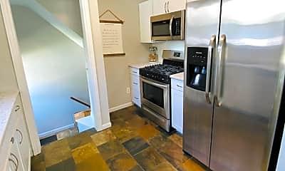Kitchen, 1413 Mohawk Ave, 2