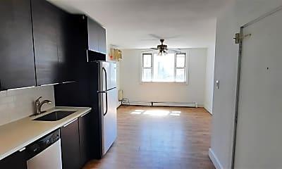 Kitchen, 677 Summit Ave 2R, 1
