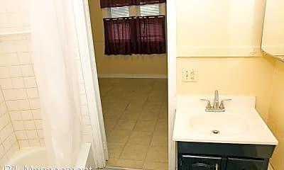 Bathroom, 865 Clifford Ave, 2