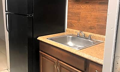 Kitchen, 2830 Fillmore St, 2
