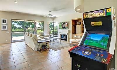 Living Room, 56600 Jack Nicklaus Blvd, 1