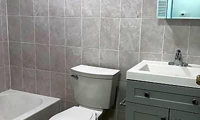 Bathroom, 902 Carpenter St 3F, 2