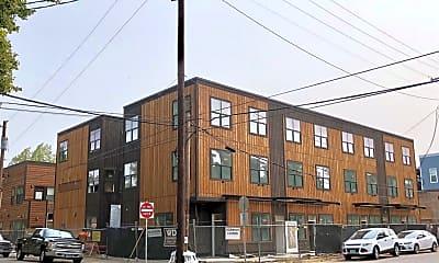 Building, 7210 N Burlington Ave, 1