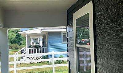 Patio / Deck, 1150 S Crutcher Ave, 1