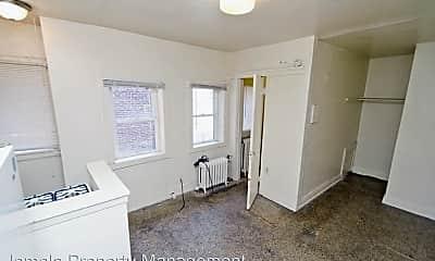 Building, 3227 W Wells St, 2