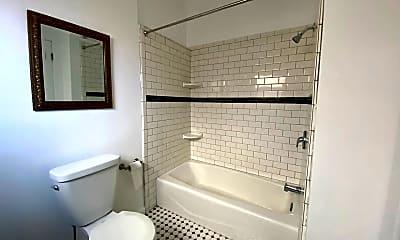 Bathroom, 1603 N Harvard Blvd, 2