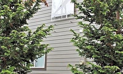 9222 N Lombard St  Metropolitan North Apartments, 1