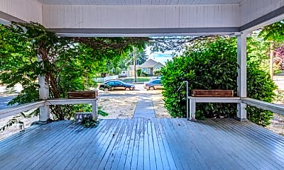 Patio / Deck, 623 E Main St, 1