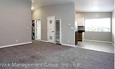 Living Room, 38891 Fremont Blvd, 2