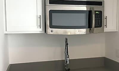 Kitchen, 607 N Spaulding Ave, 2