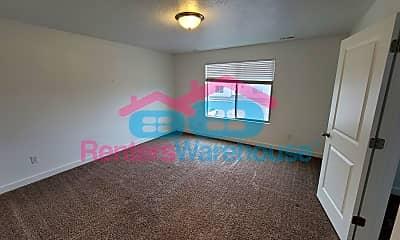 Living Room, 122 E River View Dr, 0