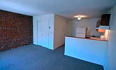 Kitchen, 100 W Springfield St, 1