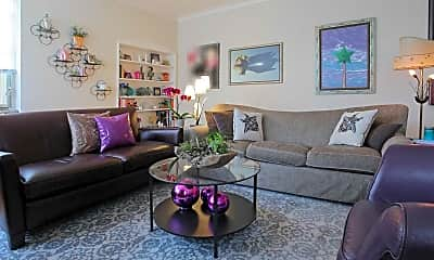 Living Room, Ridgewood Commons, 1