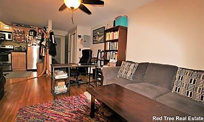 Living Room, 95 Maple St, 1