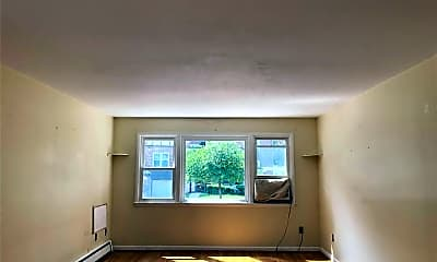 Living Room, 5836 Liebig Ave, 1