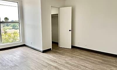 Bedroom, 2041 N Commonwealth Ave, 1