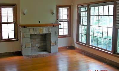 Living Room, 3462 N Humboldt Blvd, 1