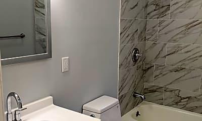 Bathroom, 28 Old Pepperidge Ln, 2