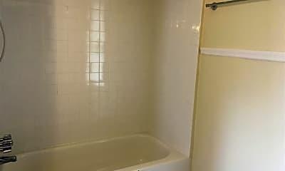 Bathroom, 98 Lawrence St, 2