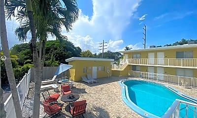 Pool, 2325 Arthur St 7, 1