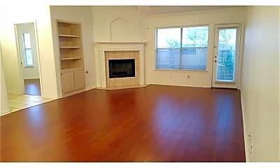 Living Room, 502 Horse Shoe Dr, 1