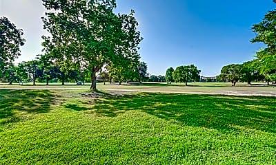 8218 Golf Green Cir, 2