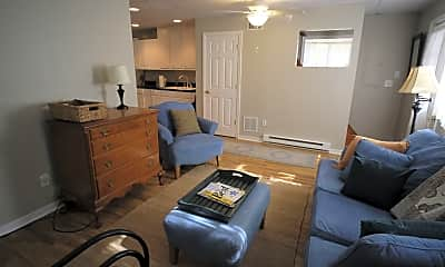 Bedroom, 6455 Barksdale Rd, 2