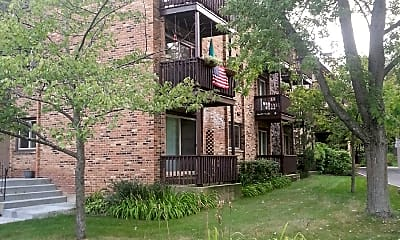 Waters Edge Apartments, 2