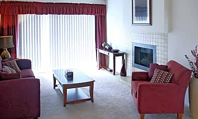 Living Room, Northridge Townhomes and Apartments, 1