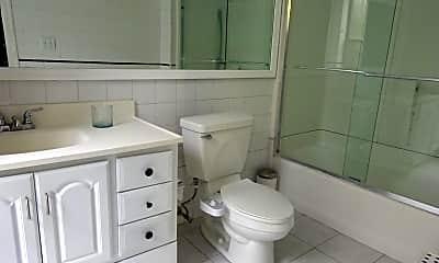 Bathroom, 614 11th Ave, 2