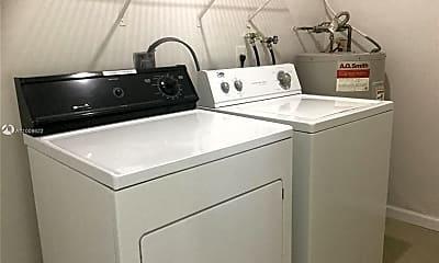 Kitchen, 4885 Ponce de Leon 4885, 2