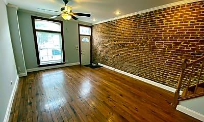 Living Room, 106 S Bouldin St, 1
