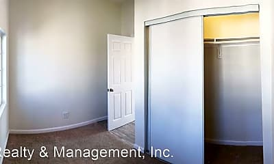 Bedroom, 1027 W 58th St, 2