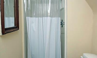 Bathroom, 3209 Winter St, 2
