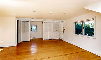 Living Room, 586 N Broadway, 1