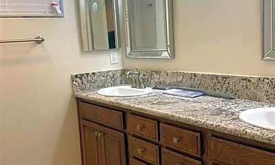 Bathroom, 4325 W 182nd St 23, 2