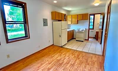 Living Room, 207 Maple St, 2