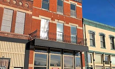 Building, 618 Cherokee St, 2
