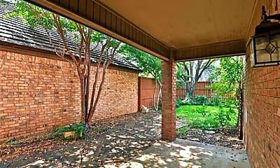 Patio / Deck, 30 Courtyard Ln, 1