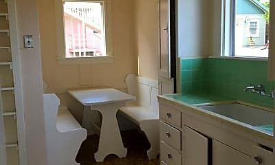Bathroom, 224 Watson St, 2
