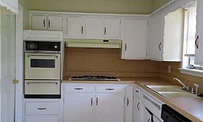 Kitchen, 2813 SW 82nd St, 1