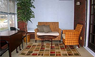 Living Room, 4033 Central Ave, 1