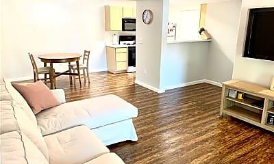 Living Room, 950 Seven Hills Dr 621, 0