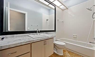 Bathroom, 1010 Bear Island Dr, 1
