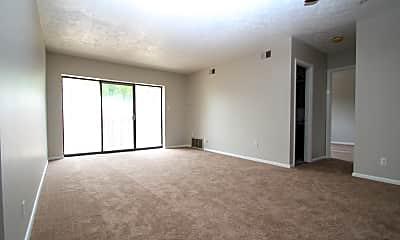 Living Room, 7168 Baptist Rd, 1