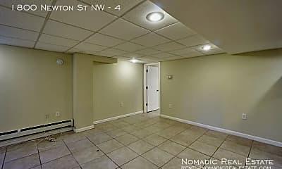 1800 Newton St NW, 2