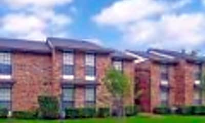 Building, Oak Tree Condominiums, 0
