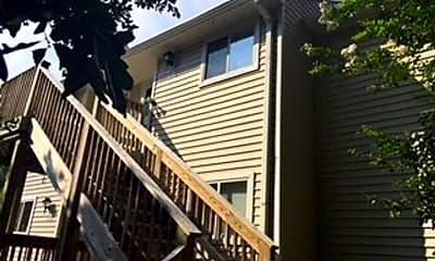 Building, 5221 Largo Ct, 1